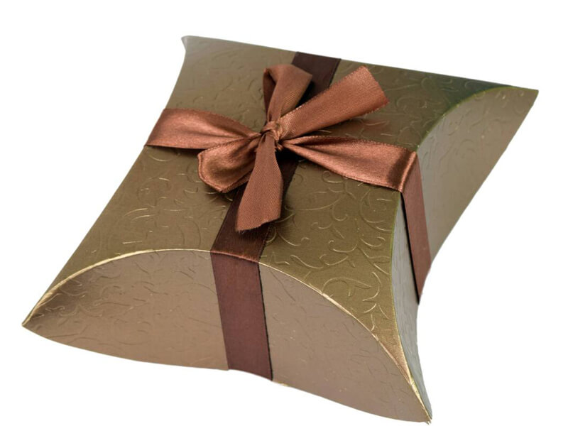 Almond And Cashew Nut Chocolate With Gift Box